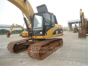 Caterpillar 320D, Construction