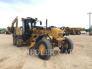 Caterpillar 12M2AWD, Construction