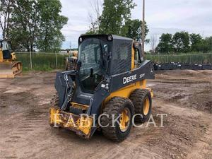 John Deere 320E, Construction