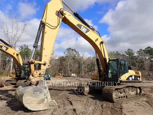 Caterpillar 330DL, Construction